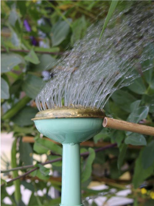arrosoir turquoise en zinc, fabriqué en France